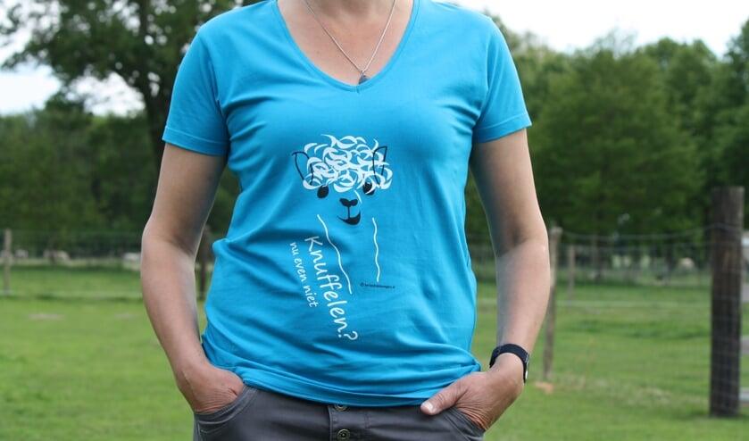 Een van de T-shirts met opdruk. Foto: PR