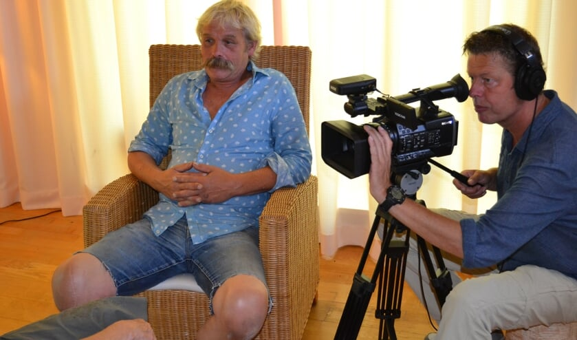 Foto: Interview met Hans Krabbenborg,cameraman Freddy Nauta.