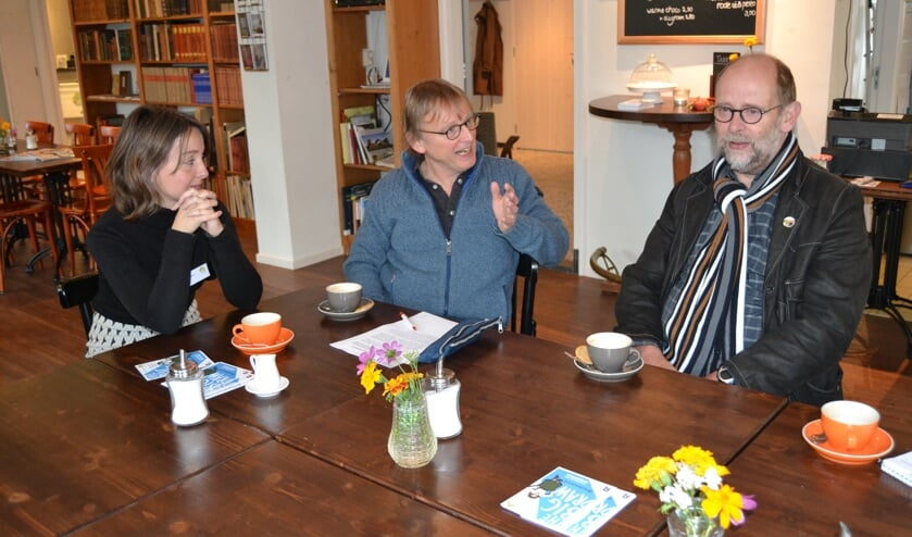 Sylvia Heinen, Harry ten Brinke (midden) en Henk Rijks in gesprek over The Big Draw. Foto: Karin Stronks