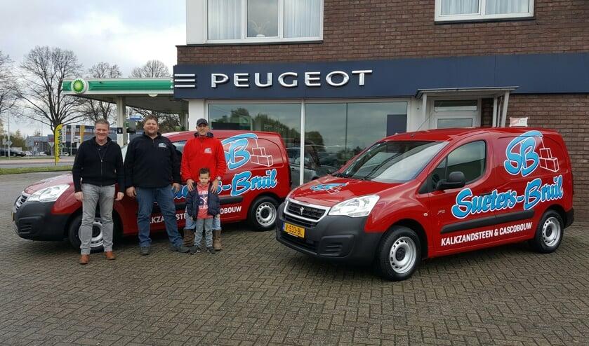 Arne Ridderrhof, Harald Bruil en Michel Sueters voor de nieuwe auto's. Foto PR