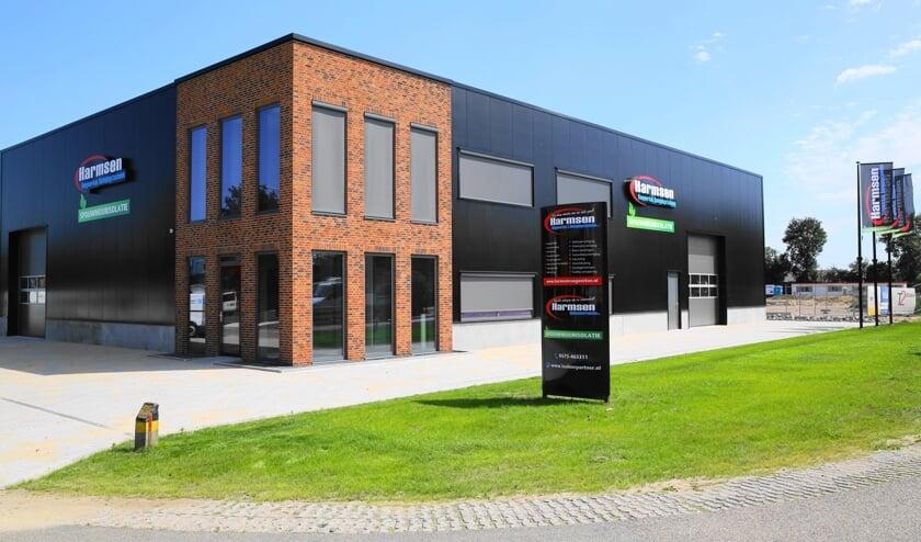 De nieuwe hal van Harmsen en Reinigingstechniek BV aan de Winkelsweg. Foto Albert Schreuder