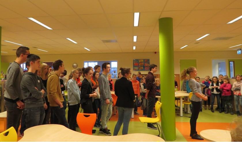 Leerlingen van Schaersvoorde staan te popelen om op basisschool de Bosmark de lessen over te nemen.  Foto: Josée Gruwel