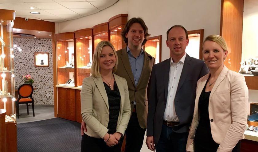Links Amy Buunk en Bart Milikan, rechts Carmen en Arjan Harbers. Foto: PR