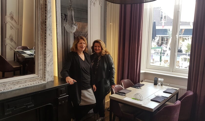 Lidy Vos (links) en Nicole Pothof. Foto: Mark Ebbers
