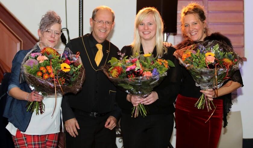 Wieteke Schotsman, voorzitter Wout Dekkers, Nikki Kleijsen en Maartje Epema. Foto: Rob Schmitz Fotografie