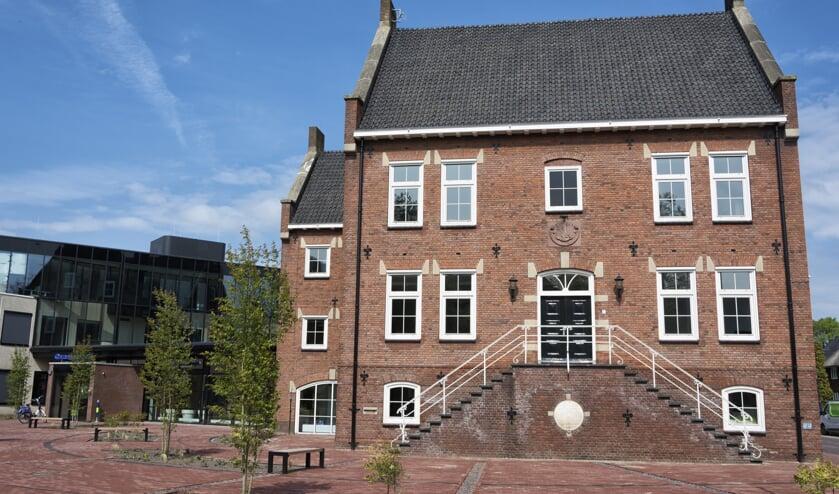 <p>Het gemeentehuis van Oost Gelre. Foto: Bram Wassink/archief Achterhoek Nieuws</p>