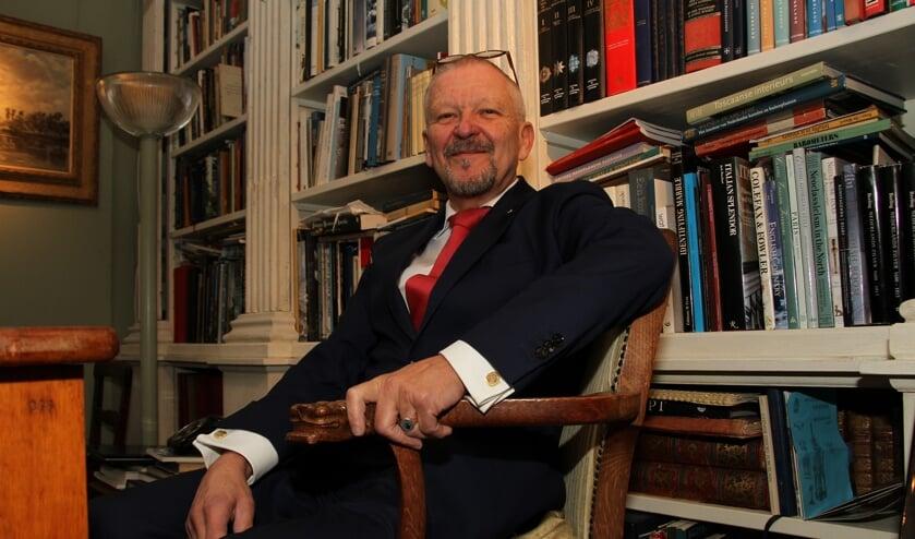 Frans-Olav Koekkoek in het achterhuis van de 'Heeren van Bronckhorst'. Foto: Liesbeth Spaansen