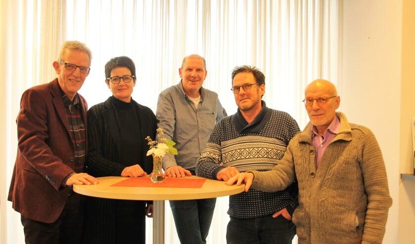 Van links af Hans Winters, Els Grevers, Hans Hinkamp, Kees van de Beek en Alfons Liesker. Foto: Lydia ter Welle