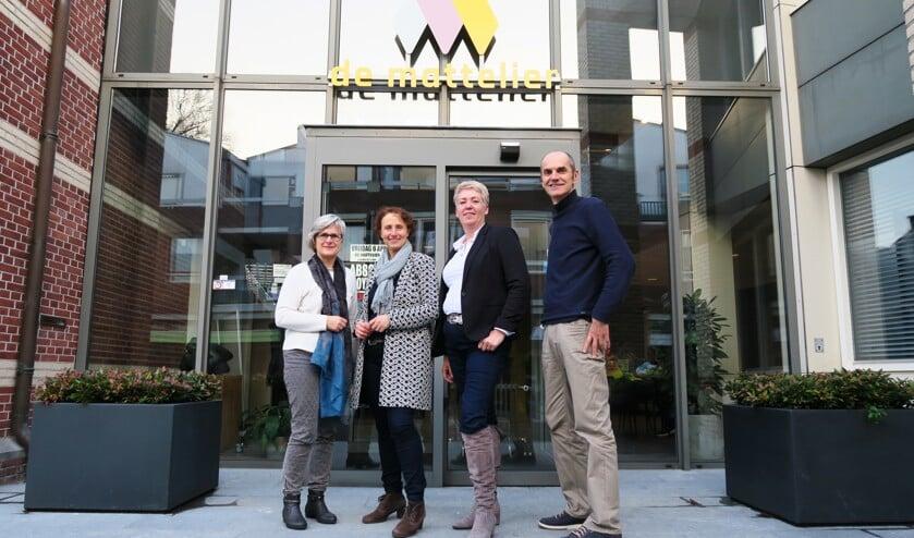 Vlnr Anita Overkamp-Altink, Rianne Janssen, Monique Labrie en Johnny Janssen. Foto: Theo Huijskes