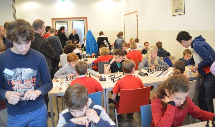 Zeven ronden werden er gespeeld met een bedenktijd van 12,5 minuut per persoon per partij. Foto: PR