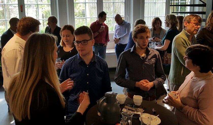 <p>Sfeerbeeld van een bijeenkomst van de Open Coffee Oost Achterhoek. Foto: archief Achterhoek Nieuws</p>