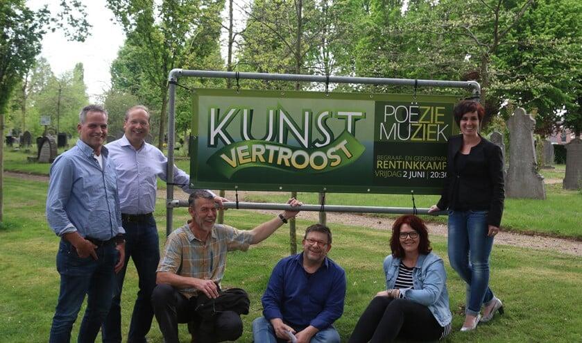 De vrijwilligers Wim Lammers, Jarik de Graaff, Hennie Dalenoord, Bert Scheuter, Ina Overbeek en Sonja Vink. Foto: Erik Dalenoord