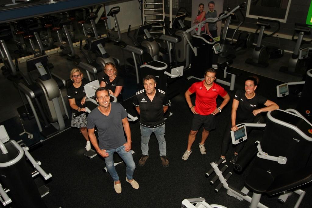 Het managementteam van AeroFitt (v.l.n.r.) Gemma Oortgiesen, Remge Vink, Anouk Knufing, Rem Vink, Thomas Wolbrink en Wilma Reugelink. Foto: Liesbeth Spaansen  © Achterhoek Nieuws b.v.