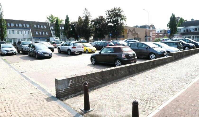 De parkeerplaats aan de Wheme in Groenlo. Foto: archief Achterhoek Nieuws