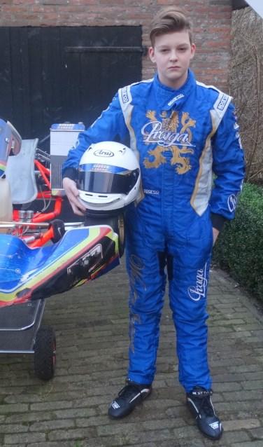 Bastiaan van Loenen bij zijn wedstrijdkart. Foto: Willy Hermans