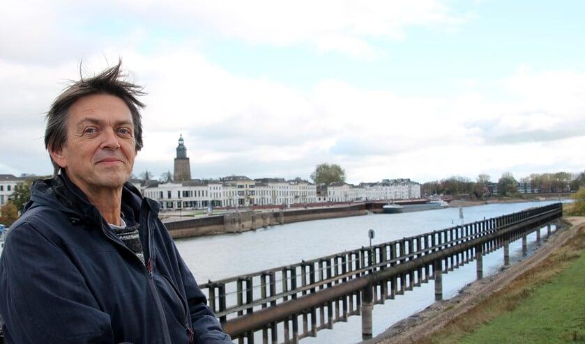 Sander Grootendorst bij zijn geliefde IJssel. Foto: Gerwin Nijkamp