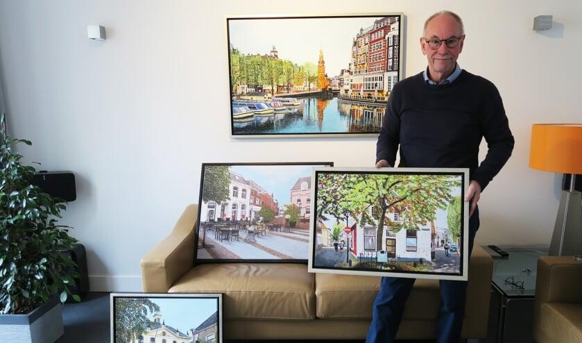 Amateurkunstschilder Henny Breukers toont een aantal vervaardigde stadsgezichten. Foto: Theo Huijskes