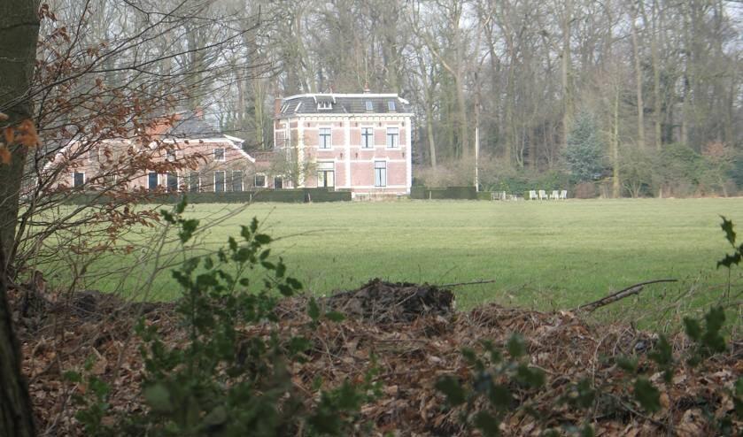 <p>Uitzicht op het Vriezenhuis. Foto: Bernhard Harfsterkamp</p>