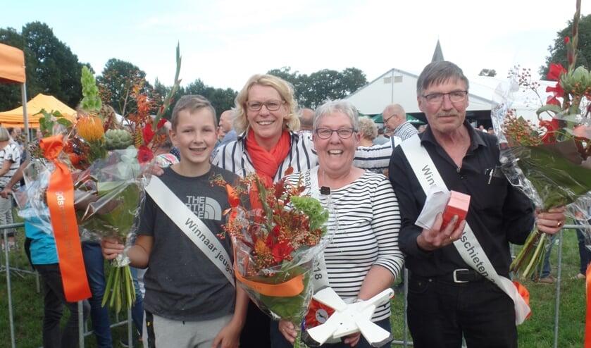 Van links af Rob Beldman,  voorzitter Ineke Nijen Es, Aleida Meulenveld en Rinus Bats. Foto: Jan Hendriksen.