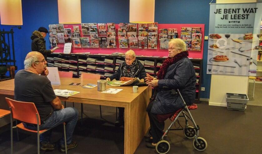 De leeshoek in de bibliotheek in 't Warnshuus in Warnsveld. Foto: Alize Hillebrink