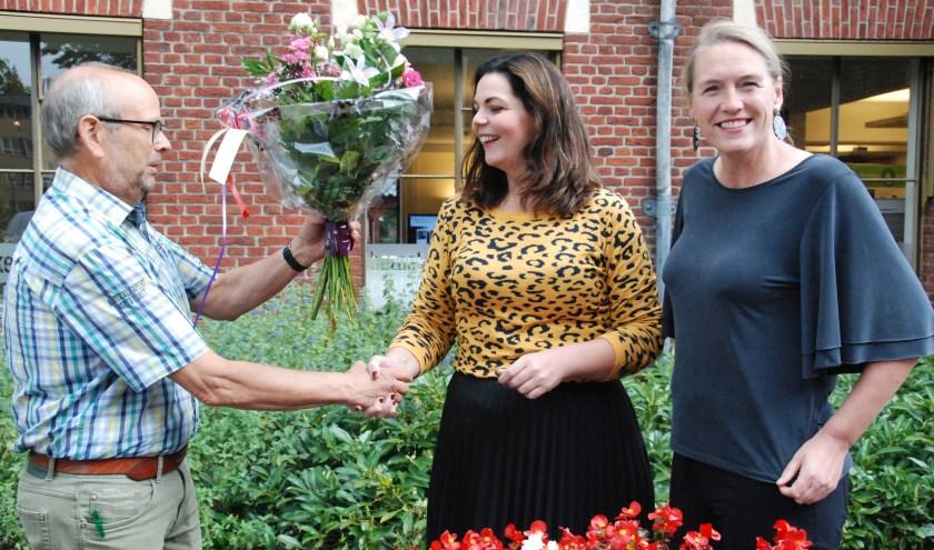 Een warm welkom voor Madelon Kuijk van Henk van Duinen en Gienne te Gronde. Foto: PR 100% Winterswijk