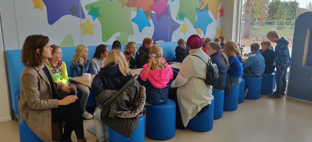 Kennismaken met stroopwafels. Foto: Rob Stevens  © Achterhoek Nieuws b.v.