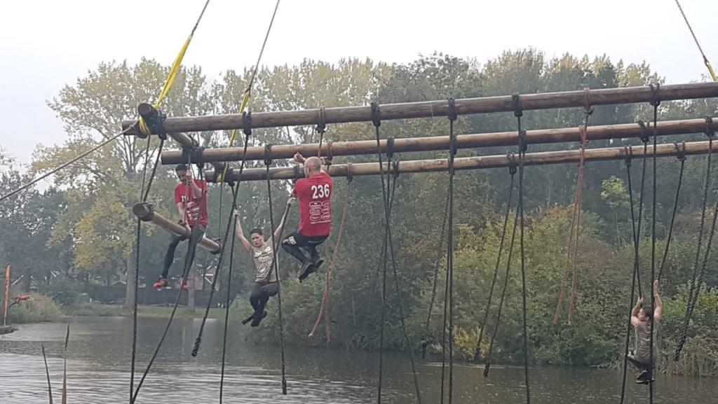 In de touwen. Foto: Rob Weeber  © Achterhoek Nieuws b.v.