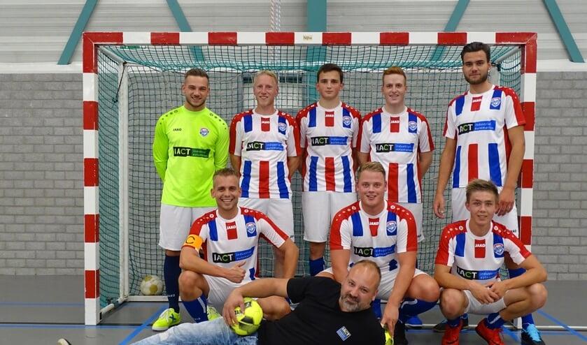 De zaalvoetballers van DEO. Foto: PR
