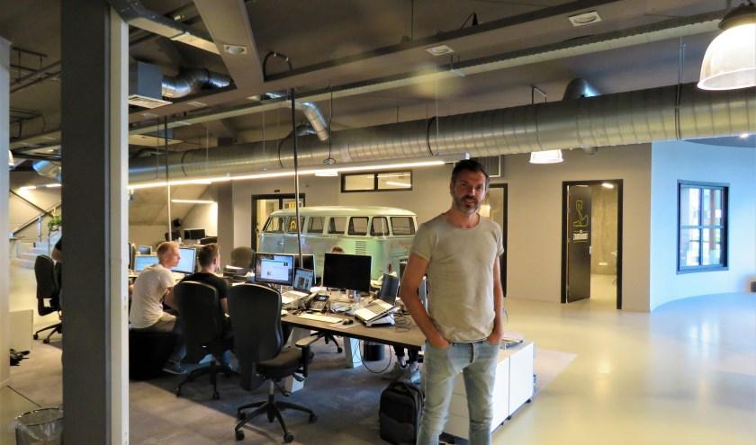 Frans Huetink in zijn kantoor van DTC Media. Foto: Bert Vinkenborg