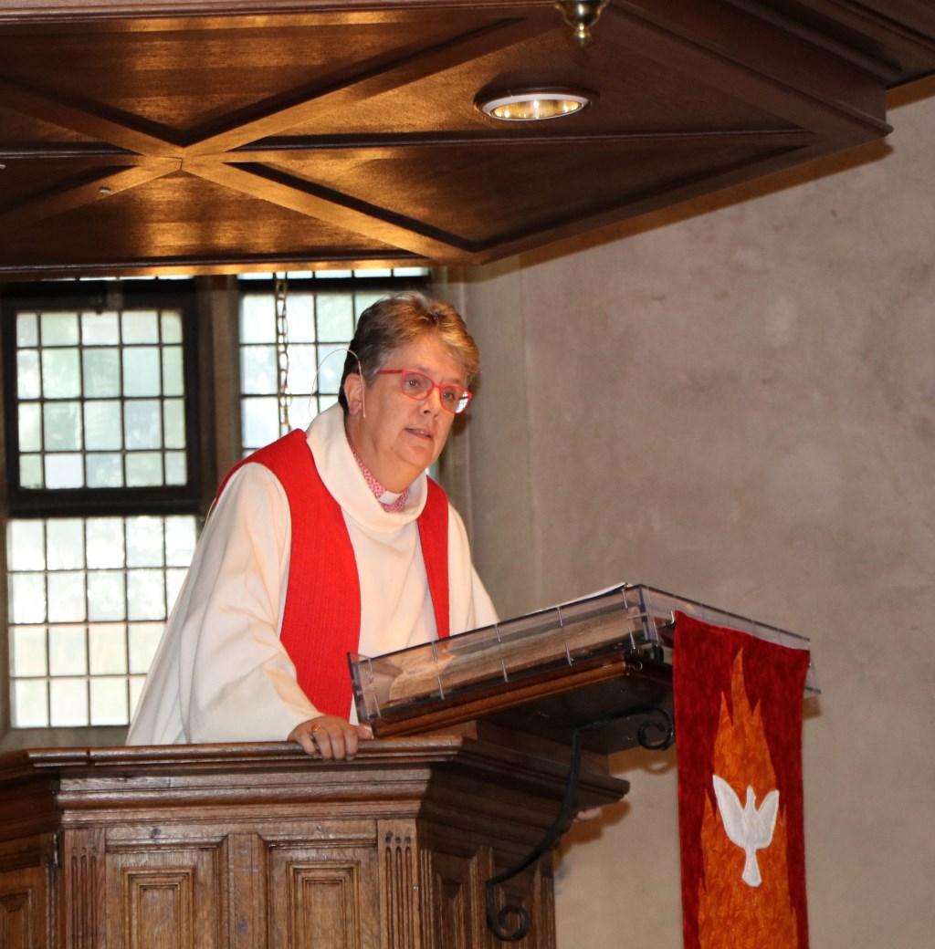Domina Wilfrieda Stam werd benoemd als nieuwe predikant van de Lambertikerk.Foto: Gerrit Wesselink  © Achterhoek Nieuws b.v.