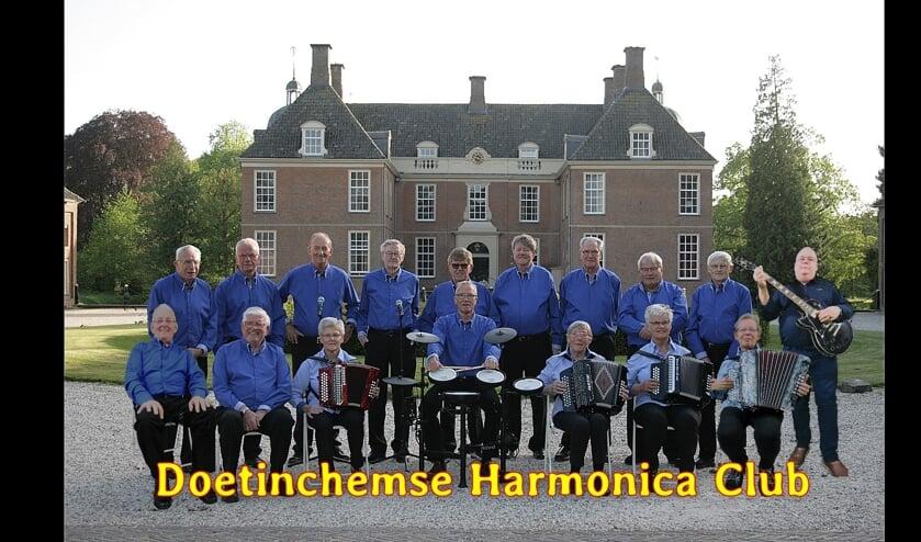 De Doetinchemse Harmonica Club treedt op in De Bleijke Hengelo. Foto: PR