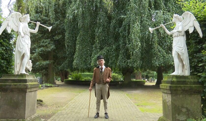 Troubadour Gery Groot Zwaaftink in de rol van acteur.