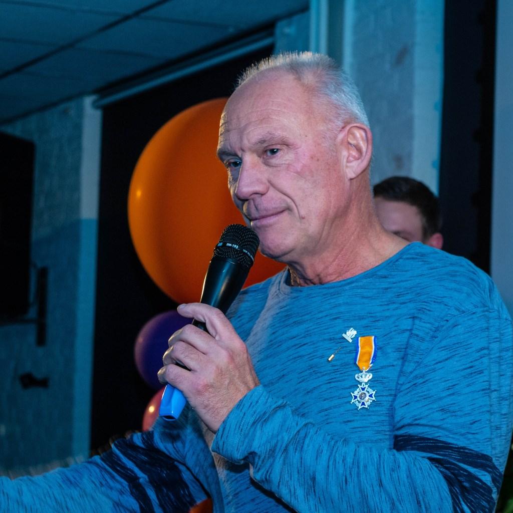 Fred Burgers tijdens zijn dankwoord.Foto:Henk Derksen  © Achterhoek Nieuws b.v.