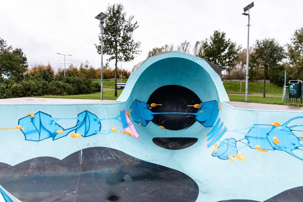 De pool is gedeeltelijk afgesloten, omdat het nu te gevaarlijk is. Foto: Henk Derksen  © Achterhoek Nieuws b.v.