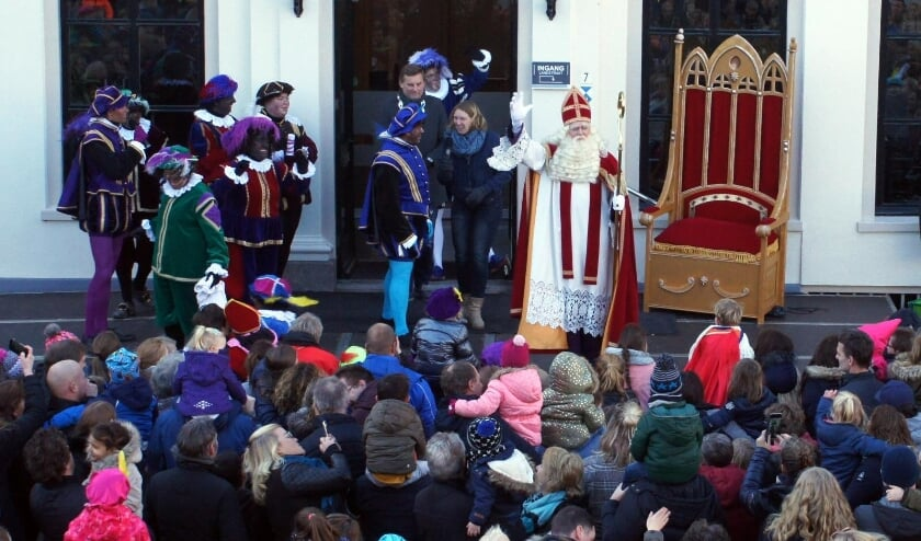 Geen traditioneel welkom op het bordes voor de Sint. Foto: PR