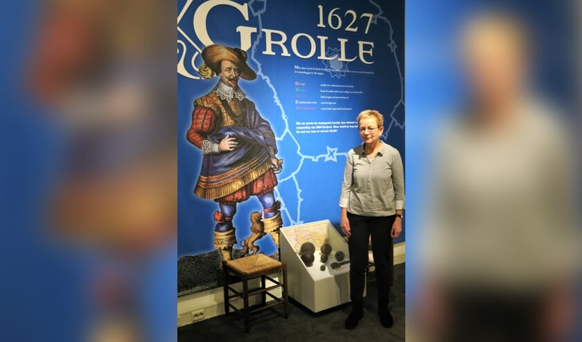 Maria Wijgerink in het Stadsmuseum van Groenlo. Foto: Theo Huijskes