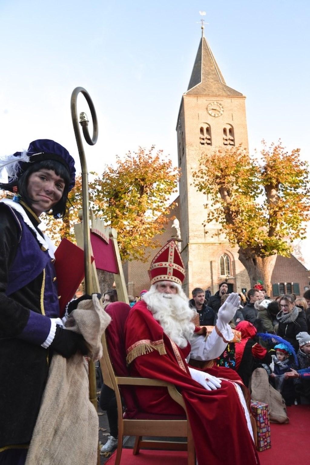 Sinterklaas en zijn pieten komen naar de Markt in Zelhem. Foto: PR  © Achterhoek Nieuws b.v.