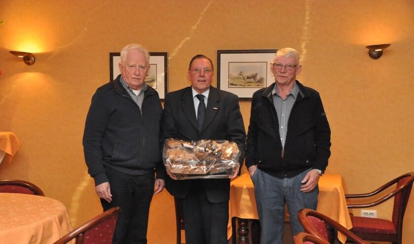Jan Berentsen, Harry Somsen en Jan Wolters namen afscheid van Stichting Open Monumentendagen Bronckhorst. Foto: Theo Janssen