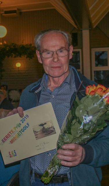 Winnaar S.H.S. midgetgolf 2019: de heer Loman. Foto: Marijke Cornelis