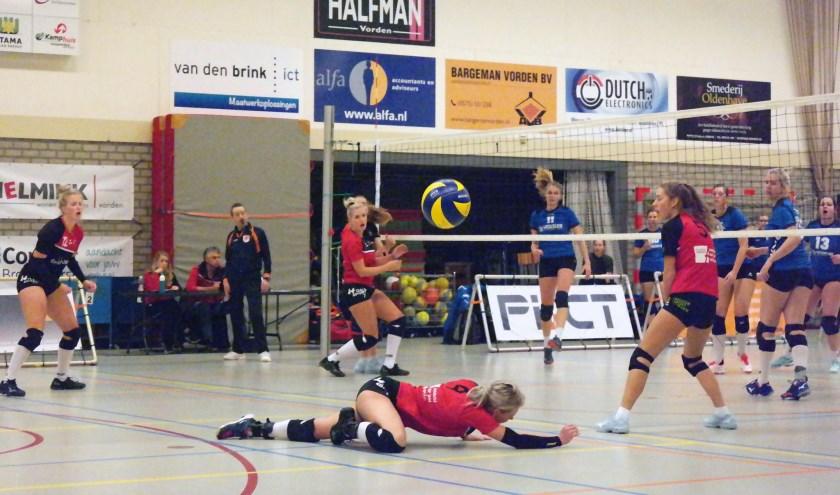 Dames Dash konden niet winnen van Dynamo Tubbergen. Foto: Henk Groenendahl