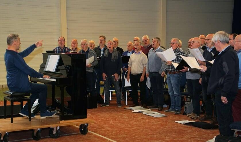 Con Spirito tijdens één van de repetities voor het concert. Foto: Frank Vinkenvleugel