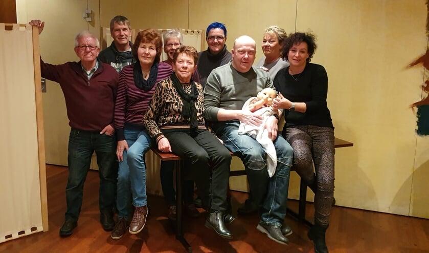 Spelers van de Hengelose Toneelvereniging. Foto: Anita Roenhorst
