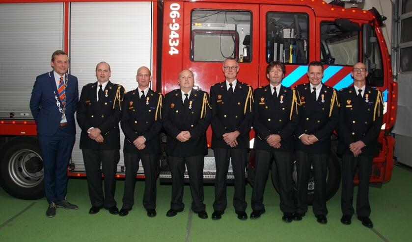 Van links af burgemeester Anton Stapelkamp, André van Oeveren, André Wienholts, Carlos Angenent, Hans Kemink, Ralf Kolenbrander, Robin Siebel, Edwin Geven.