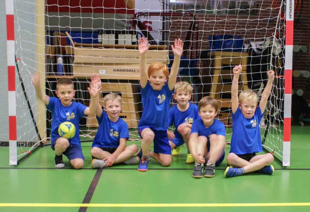 Handbalteam De Grote Leeuwen van basisschool De Leer haalt winst. Foto: SV Quintus   © Achterhoek Nieuws b.v.