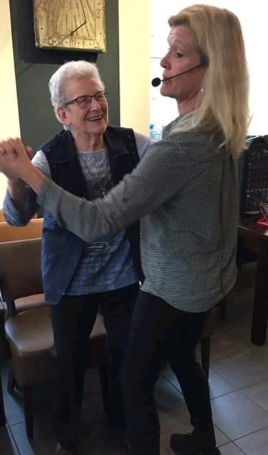 Samen dansen: altijd goed voor een glimlach. Foto: PR