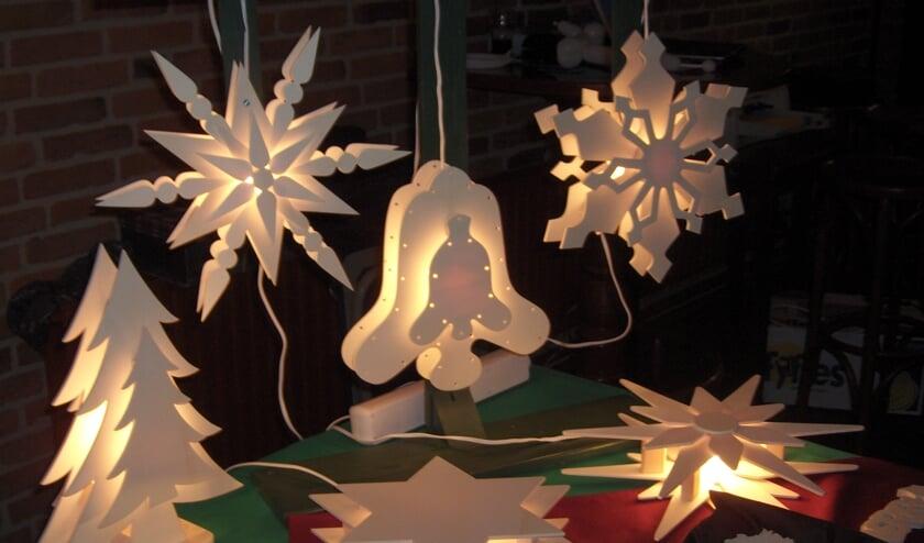 Allerlei sfeervolle kerstdecoratie is er te koop. Foto: PR