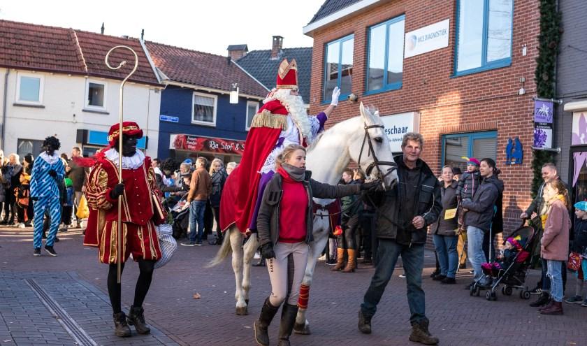 Zondagmiddag komt Sinterklaas weer naar Lichtenvoorde.
