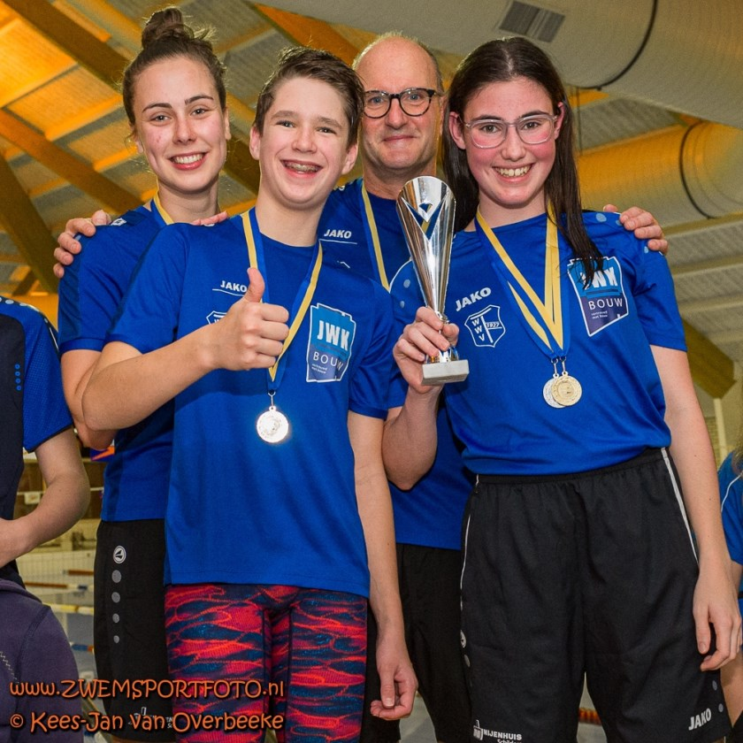 Medailles voor de Winterswijkse zwemmers. Foto:  Foto: Kees-Jan van Overbeeke