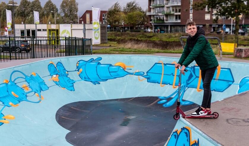 Krishan op de rand van de pool. Foto: Henk Derksen