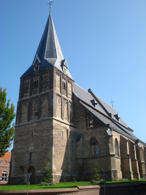 De Oude Helenakerk, waar de verborgen grafkelder werd aangetroffen. Foto: PR  © Achterhoek Nieuws b.v.